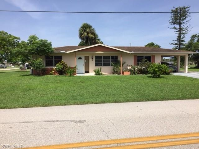 9 Maple Ave N, Lehigh Acres, FL 33936 (MLS #218046665) :: Clausen Properties, Inc.