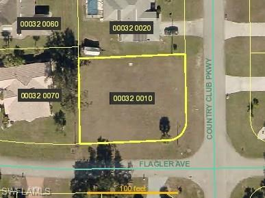 1654 Country Club Pky, Lehigh Acres, FL 33936 (MLS #218047497) :: RE/MAX Realty Team