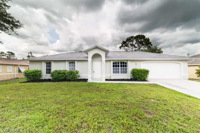 18513 Olive Rd, Fort Myers, FL 33967 (MLS #218048653) :: Clausen Properties, Inc.