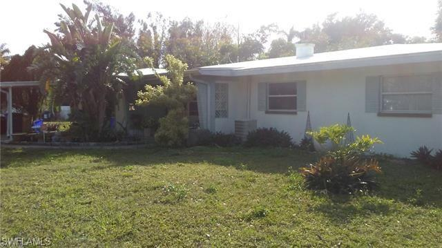 1689 Daniels Dr E, North Fort Myers, FL 33917 (MLS #218049083) :: RE/MAX Realty Team