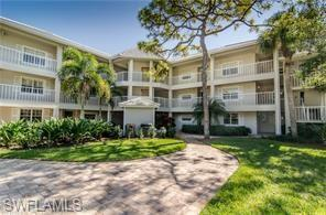 236 Sugar Pine Ln #236, Naples, FL 34108 (MLS #218053318) :: The Naples Beach And Homes Team/MVP Realty