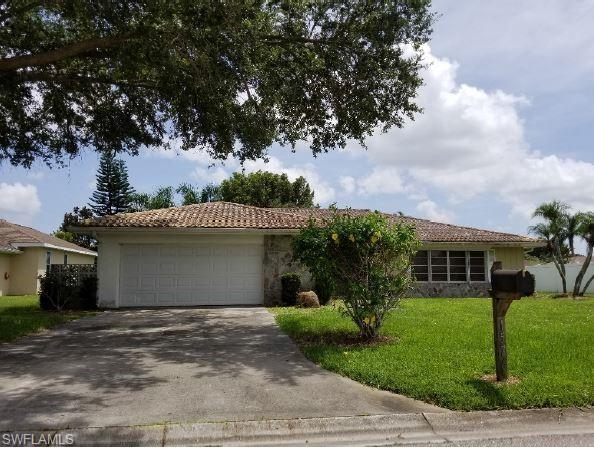 1576 Woodwind Ct, Fort Myers, FL 33919 (MLS #218054200) :: The New Home Spot, Inc.