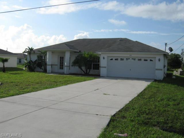 214 Blackstone Dr, Fort Myers, FL 33913 (MLS #218055480) :: RE/MAX Realty Team