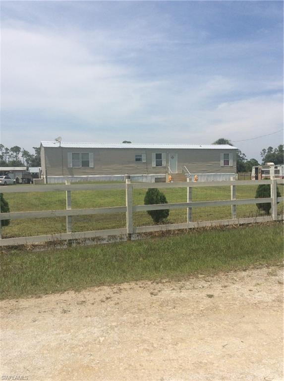 125 Vero Ave, Clewiston, FL 33440 (MLS #218056517) :: RE/MAX DREAM