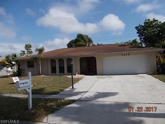 1515 Charmont Pl, Fort Myers, FL 33919 (MLS #218059367) :: RE/MAX DREAM