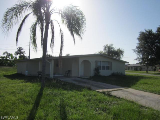 322 Rushmore Ave N, Lehigh Acres, FL 33936 (MLS #218062241) :: The New Home Spot, Inc.