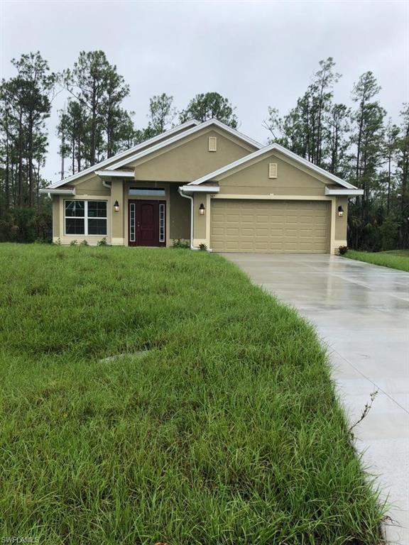 187 Townsend Ct, Lehigh Acres, FL 33792 (MLS #218062716) :: RE/MAX Realty Team