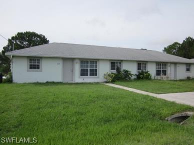 2233 Fairway Dr, Lehigh Acres, FL 33973 (MLS #218065640) :: Clausen Properties, Inc.