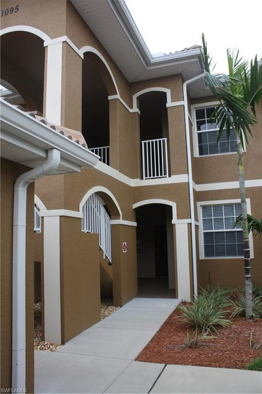 1095 Winding Pines Cir #203, Cape Coral, FL 33909 (MLS #218065737) :: RE/MAX Realty Team