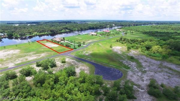 2524 Caloosa Shores Dr, Labelle, FL 33935 (MLS #218067303) :: Clausen Properties, Inc.