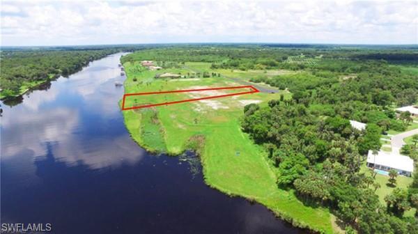2532 Caloosa Shores Dr, Labelle, FL 33935 (#218067305) :: The Key Team