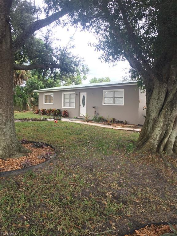 320 Trocadero Ave, Clewiston, FL 33440 (MLS #218072715) :: The New Home Spot, Inc.