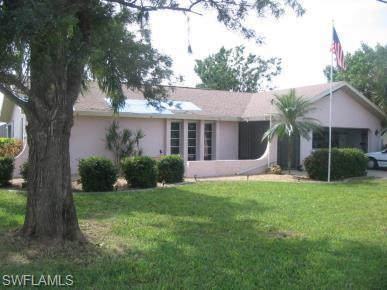 1322 SE 15th Ter, Cape Coral, FL 33990 (MLS #218073246) :: Clausen Properties, Inc.