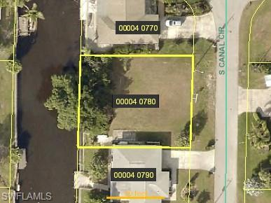 4331 S Canal Cir, North Fort Myers, FL 33903 (MLS #218074233) :: RE/MAX Realty Group