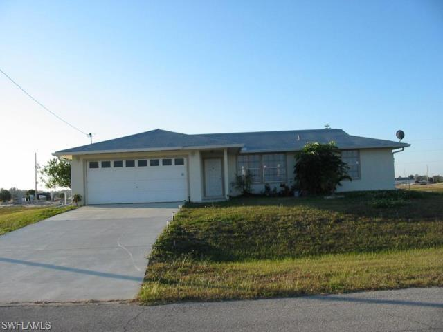 2052 NW 3rd Ter, Cape Coral, FL 33993 (MLS #218078207) :: RE/MAX Realty Group