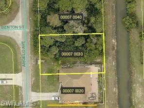 1104 Angelo Ave, Lehigh Acres, FL 33971 (MLS #218082860) :: The New Home Spot, Inc.