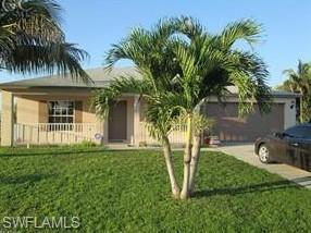 903 SE 30th Ln, Cape Coral, FL 33904 (MLS #218083375) :: RE/MAX Radiance