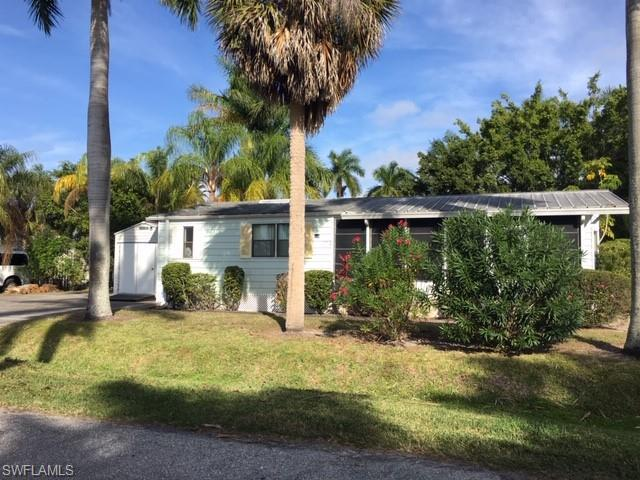 13040 Point Breeze Dr, Fort Myers, FL 33908 (MLS #219001671) :: RE/MAX Realty Team
