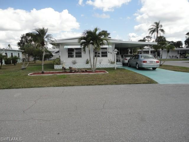 815 Holly Berry Ct, North Fort Myers, FL 33917 (#219003875) :: The Key Team