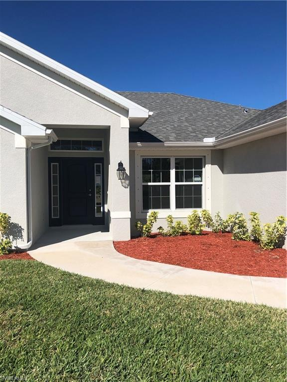 186 Townsend Ct, Lehigh Acres, FL 33972 (MLS #219003970) :: RE/MAX Realty Team