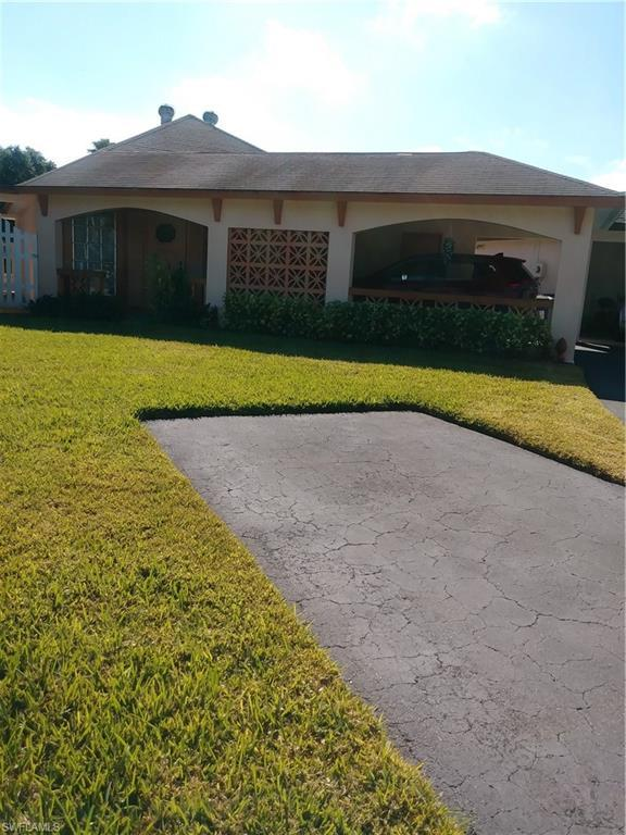 322 Joel Blvd, Lehigh Acres, FL 33936 (MLS #219004148) :: Clausen Properties, Inc.