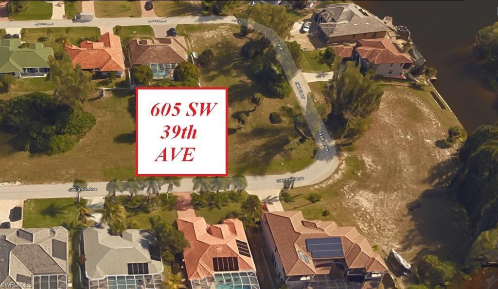 605 39th Avenue - Photo 1