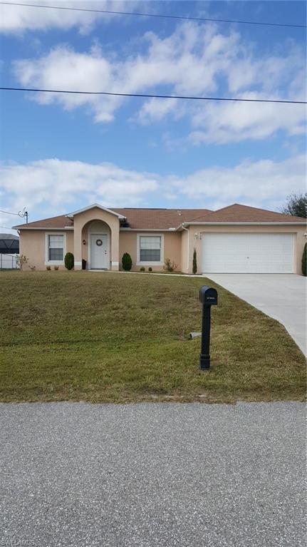 416 NW 17th Ave, Cape Coral, FL 33993 (MLS #219006397) :: RE/MAX DREAM