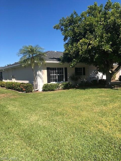 1347 Broadwater Dr, Fort Myers, FL 33919 (MLS #219007025) :: RE/MAX DREAM