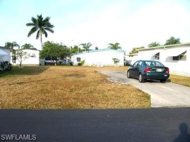 133 Granada St, Fort Myers, FL 33905 (MLS #219014166) :: RE/MAX Realty Team