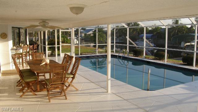 1923 SE 10th Ave, Cape Coral, FL 33990 (MLS #219015401) :: Palm Paradise Real Estate