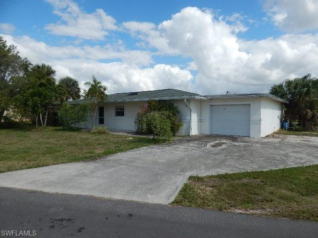 2168 Club House Rd, North Fort Myers, FL 33917 (MLS #219015974) :: RE/MAX Realty Team