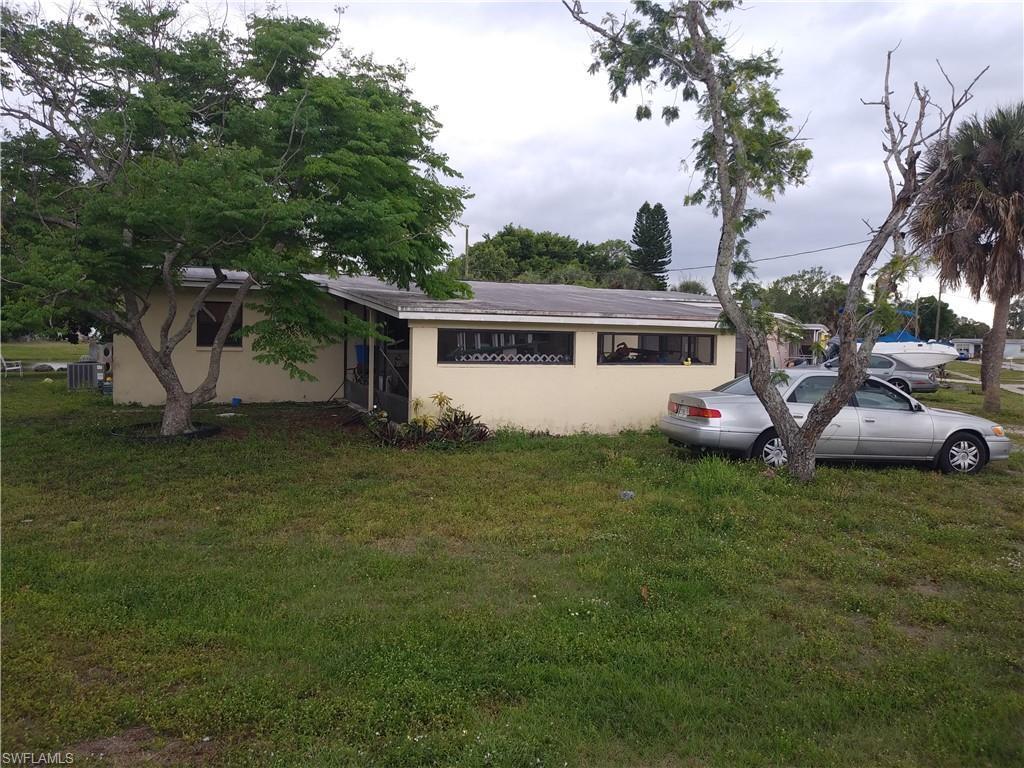 950 Lakeview Drive - Photo 1