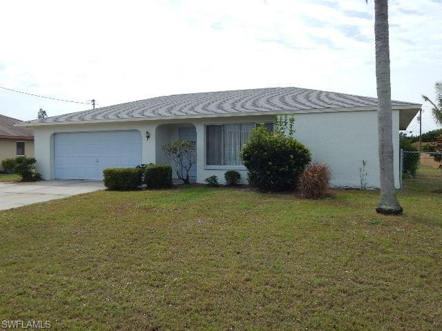 1424 SE 14th Ter, Cape Coral, FL 33990 (#219021639) :: We Talk SWFL