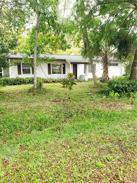 1170 Orange Ave, North Fort Myers, FL 33903 (MLS #219022014) :: RE/MAX Realty Team
