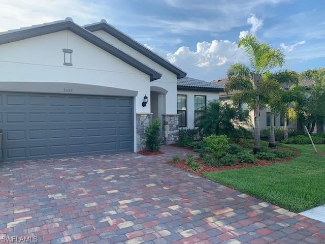 3537 E Hampton Cir, Alva, FL 33920 (MLS #219024615) :: Clausen Properties, Inc.
