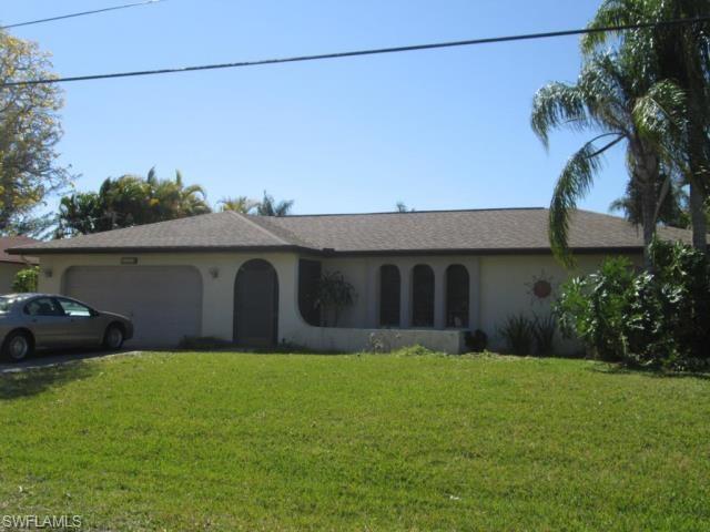 2214 SE 8th St, Cape Coral, FL 33990 (MLS #219030070) :: #1 Real Estate Services