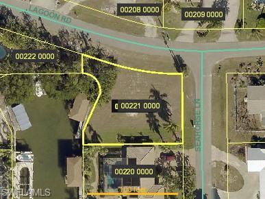 Corner Lot, Fort Myers Beach, FL 33931 (MLS #219030398) :: Kris Asquith's Diamond Coastal Group