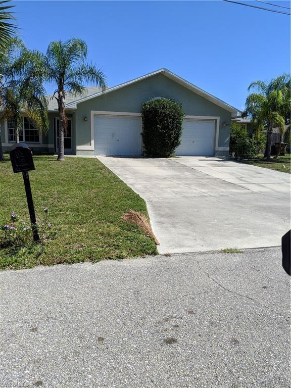 607 SE 13th St, Cape Coral, FL 33990 (MLS #219030620) :: RE/MAX Radiance