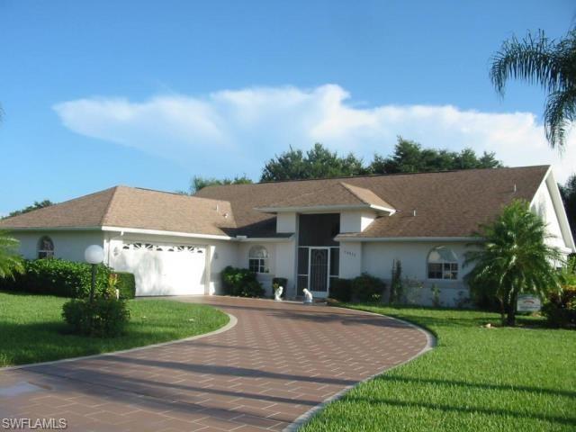 20013 Lake Vista Cir, Lehigh Acres, FL 33936 (MLS #219032855) :: John R Wood Properties