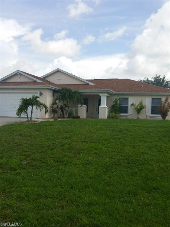 1121 NE 10th Ter, Cape Coral, FL 33909 (MLS #219037264) :: RE/MAX Realty Team
