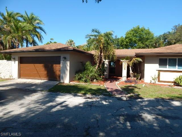 13270 Mcgregor Blvd, Fort Myers, FL 33919 (MLS #219039080) :: The Naples Beach And Homes Team/MVP Realty
