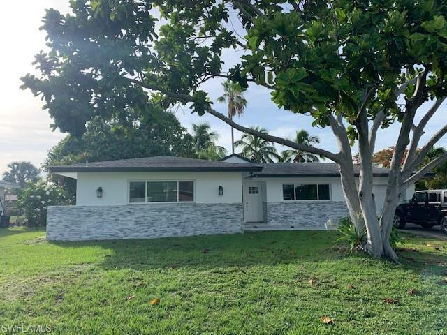 15370 Myrtle St, Fort Myers, FL 33908 (MLS #219041586) :: RE/MAX Radiance