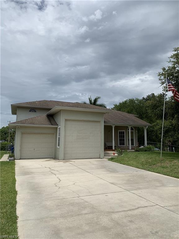 1277 Sabal Gardens Dr, North Fort Myers, FL 33903 (MLS #219042550) :: #1 Real Estate Services