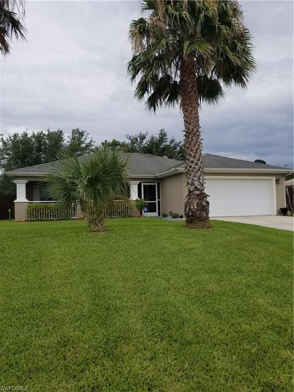 342 NE 23rd St, Cape Coral, FL 33909 (MLS #219042917) :: Clausen Properties, Inc.