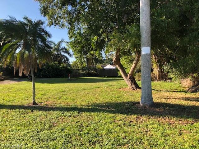 5465 Avenue D, Bokeelia, FL 33922 (MLS #219048173) :: The Naples Beach And Homes Team/MVP Realty
