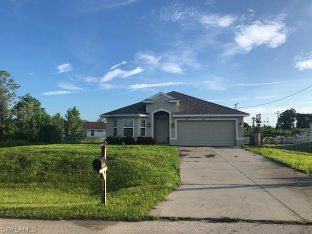 4002 2nd St SW, Lehigh Acres, FL 33976 (MLS #219049674) :: RE/MAX Realty Team