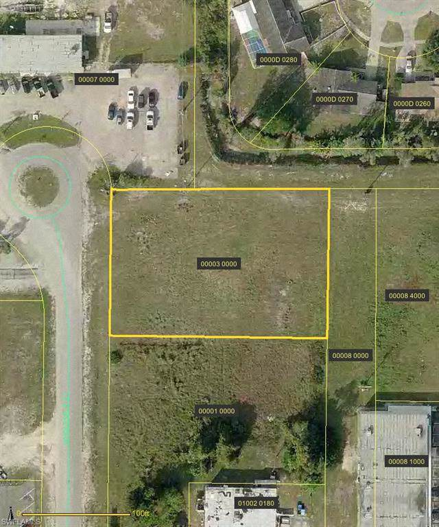 4001 Wholesale Court, North Fort Myers, FL 33903 (MLS #219052607) :: Clausen Properties, Inc.