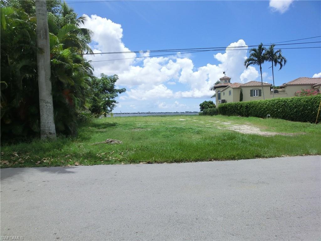 522 Coral Drive - Photo 1