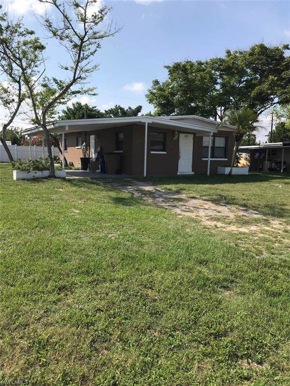 111 Andros St, Lehigh Acres, FL 33936 (MLS #219056754) :: RE/MAX Realty Team