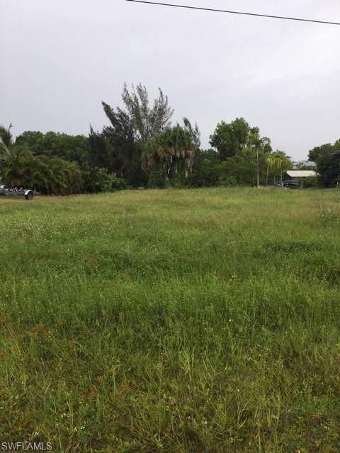 11465 Flint Ln, Bokeelia, FL 33922 (MLS #219060684) :: Clausen Properties, Inc.